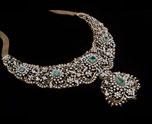 Necklace & Haar
